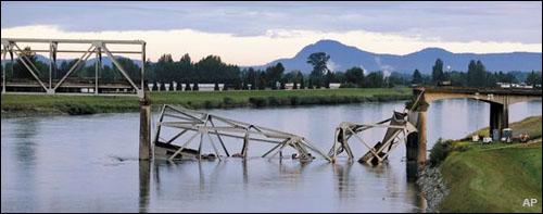 AP-Skagit-I5-bridge-collapse