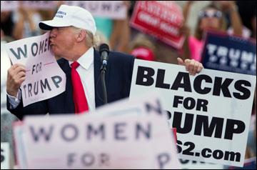 trump-kisses-women